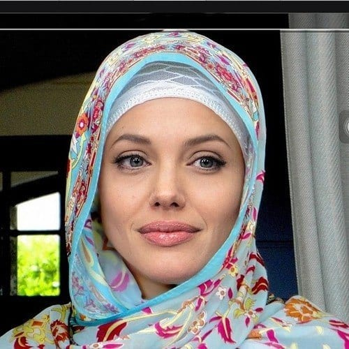 angelina-jolie-in-Hijab Top 10 Non Muslim Celebrities in Hijab:Hollywood Celebrities in Hijab