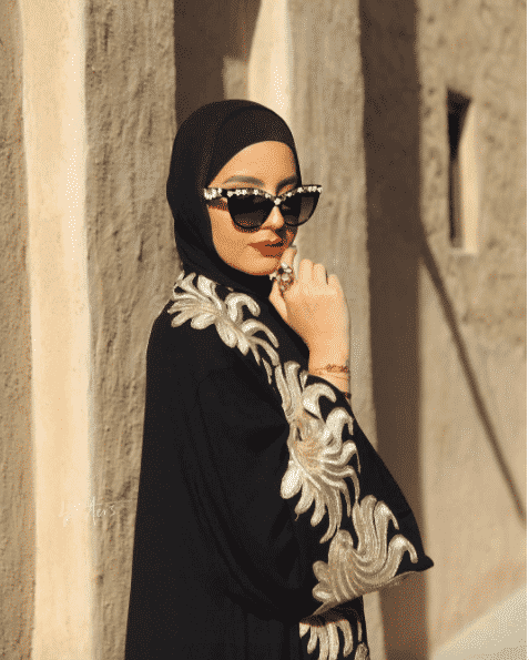 funky-sunglasses-with-hijab-outfit Funky Hijab Style-16 Cool Ideas to Wear Hijab for Funky Look