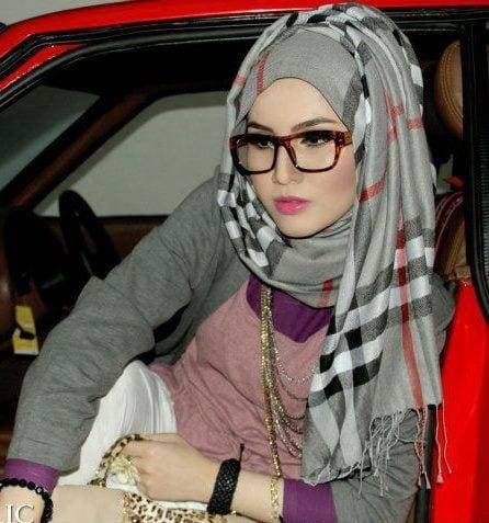 hijab-with-glasses Hijab With Glasses-17 Ideas to Wear Sunglasses with Hijab