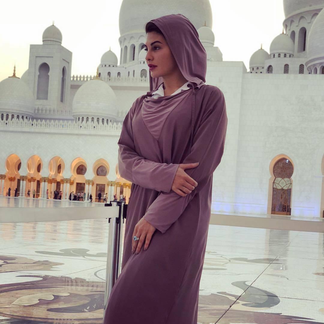 13 Non Muslim Celebrities In Hijab Hollywood Celebrities