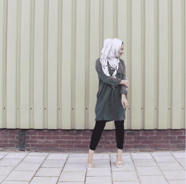 laid-back-street-style-outfit 14 Popular Hijab Street Style Fashion Ideas This Season