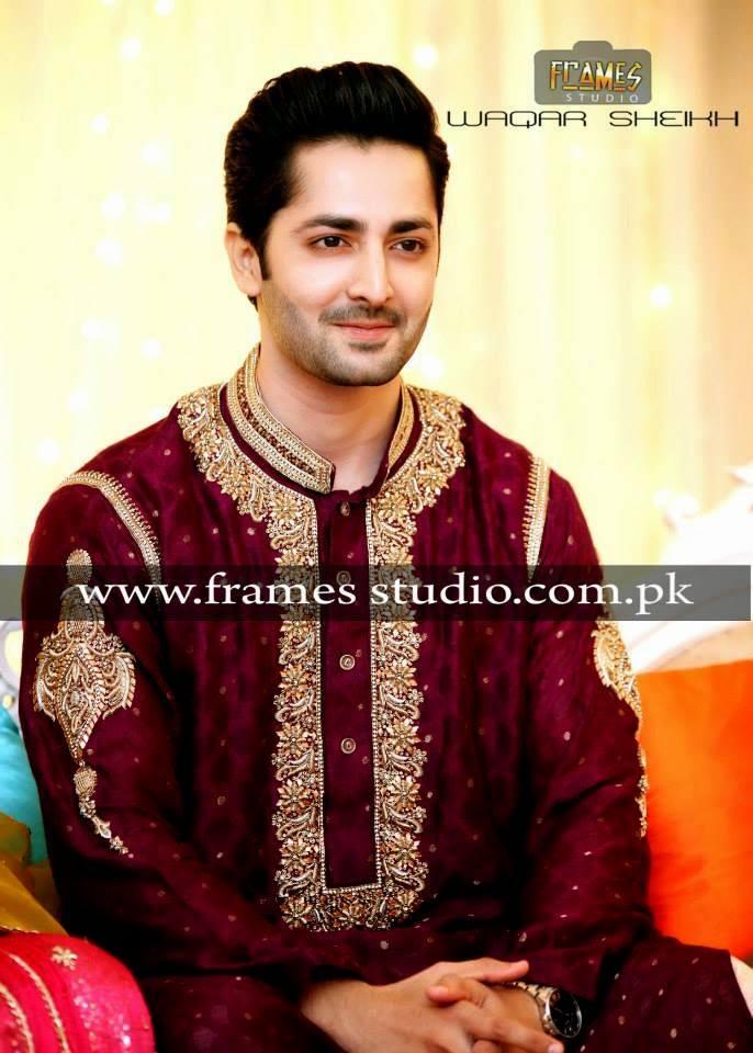 mehndi-groom-pakistan 12 Stylish Pakistani Groom Mehndi Dresses for This Season