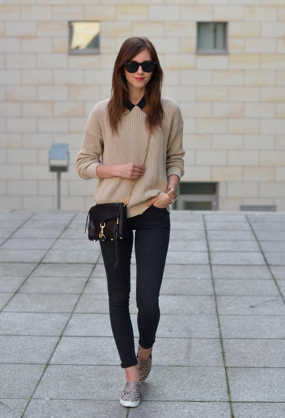 winter outfits office wear casual outfit sneaker sneakers elegant chic business brown shoes workwear jeans fall job slip looks stylish