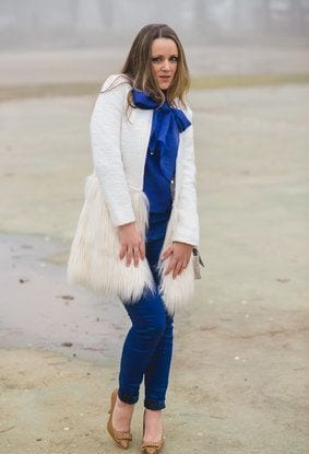 bow-and-faux-hairlook-index-middle1 Long Coat Styles -20 Ways to Wear Long Coats This Winter
