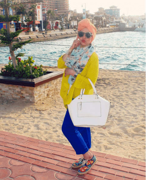 funky-hijab-outfit-for-the-beach Hijab Outfits for Teenage Girls - 20 Cool Hijab Style Looks