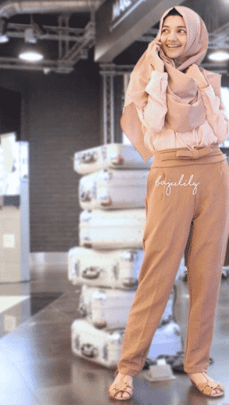 hijab-with-pants-outfit-for-work Hijab Outfits for Teenage Girls - 20 Cool Hijab Style Looks