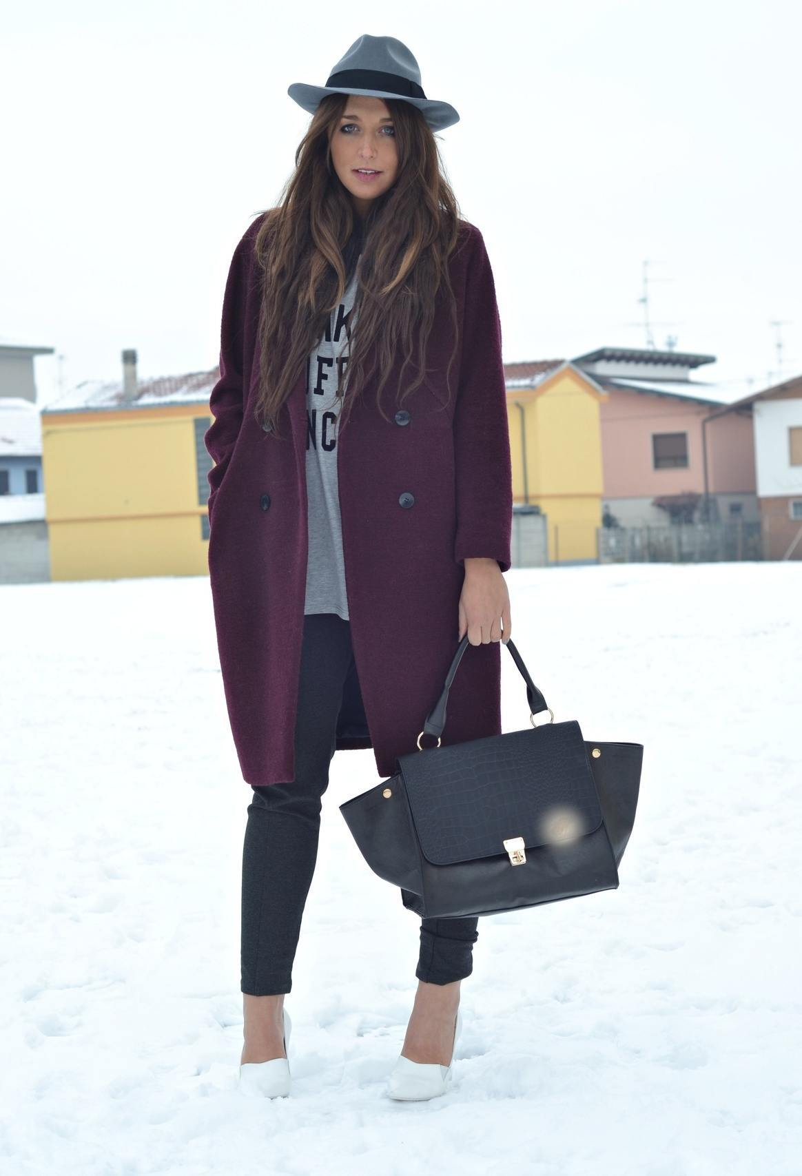 how-to-wear-hat-with-coats1 Long Coat Styles -20 Ways to Wear Long Coats This Winter
