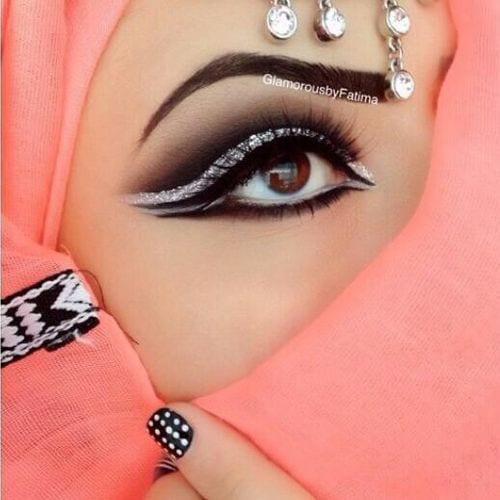 step-by-step-arabian-eye-makeup 10 Best Arabian Eye Makeup Tutorials With Step by Step Tips