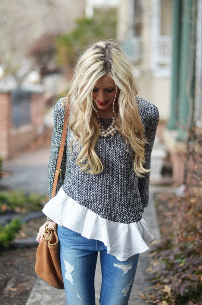 stylish-girls-dresses-holidays 17 Cute Holiday Outfits For Teenage Girls To Try this Season