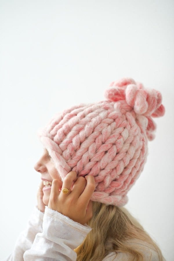DIY-BIG-LOOP-KNITTED-HAT-TUTORIAL Top 50 DIY Winter Fashion Projects With Simple Tutorials