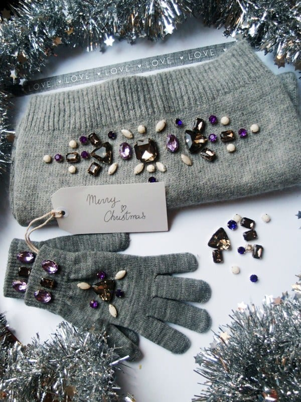 RHINESTONE-EMBELLISHED-SCARF-AND-GLOVES 50 Most Useful DIY Winter Fashion Ideas with Tutorials