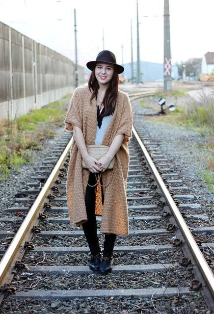 hm-pink-orange-carvela-cardiganslook-main-single2 25 Trendy Outfits to Wear with Fedora Hats for Chic Look