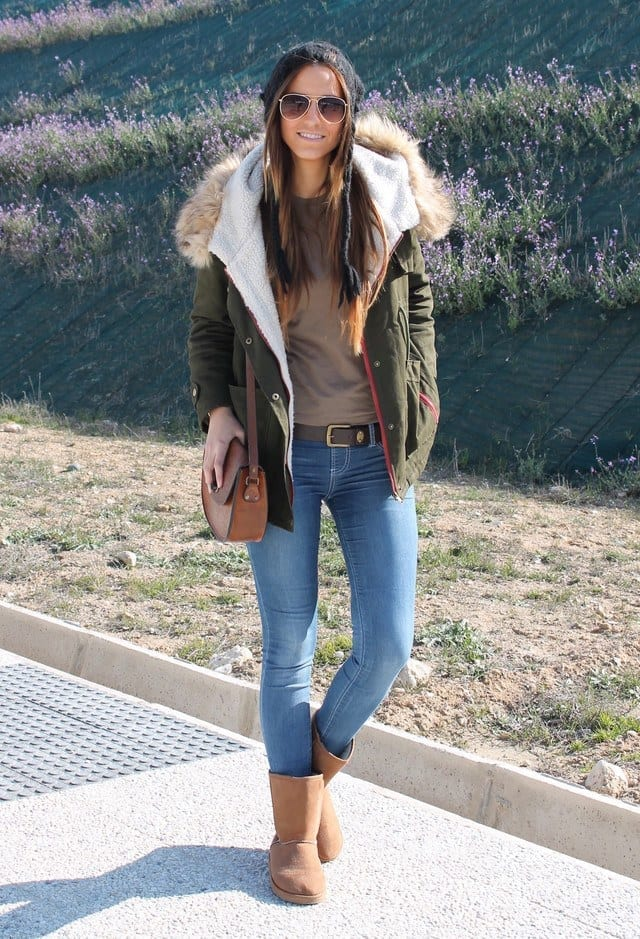 Uggs outfits for college girls (9)