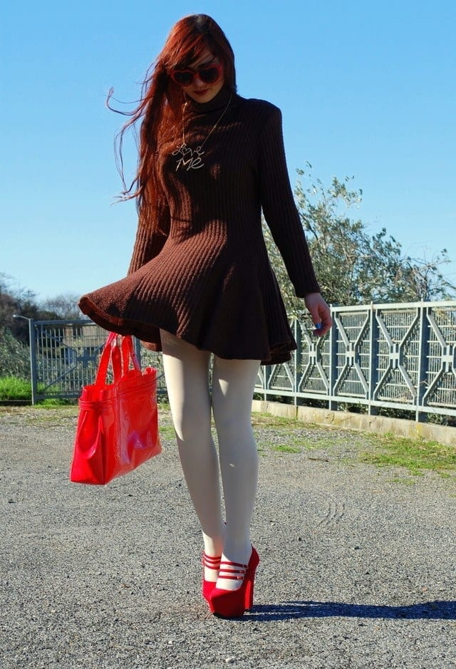 zerouv-rosso-sammydress-occhiali-da-solelook-main-single 20 Cute Outfits To Wear With White Tights/Leggings This Season