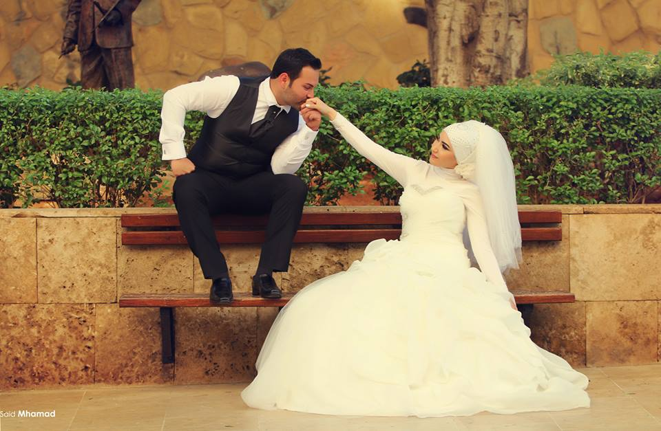 376862_491477714256033_575129679_n 150 Most Romantic and Cute Muslim Couples Pictures Collection