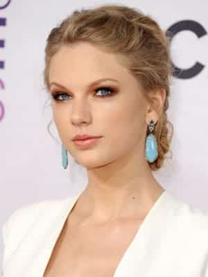 539fba3fe0c27_-_cos-01-taylor-swift-peoples-choice-awards-2013-wzzuh7-mdn-medium_new Top 12 Celebrities Braided Hairstyles To Copy This Year