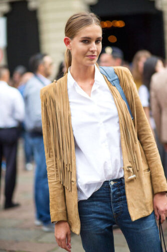54bc23e5b73f8_-_hbz-fringe-2-mfw-ss2015-street-style-day1-16-lg-333x500 16 Popular Spring Street Style Outfits Ideas For Women