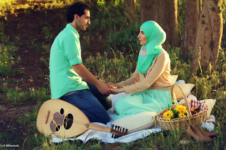 946781_492653824138422_47846142_n 150 Most Romantic and Cute Muslim Couples Pictures Collection