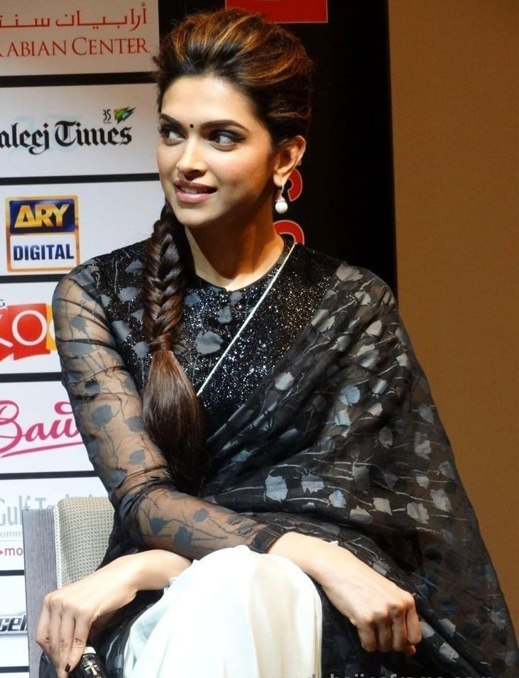 deepika-saree-style 20 Cute Celebrities Inspired Hairstyles to Wear With Saree