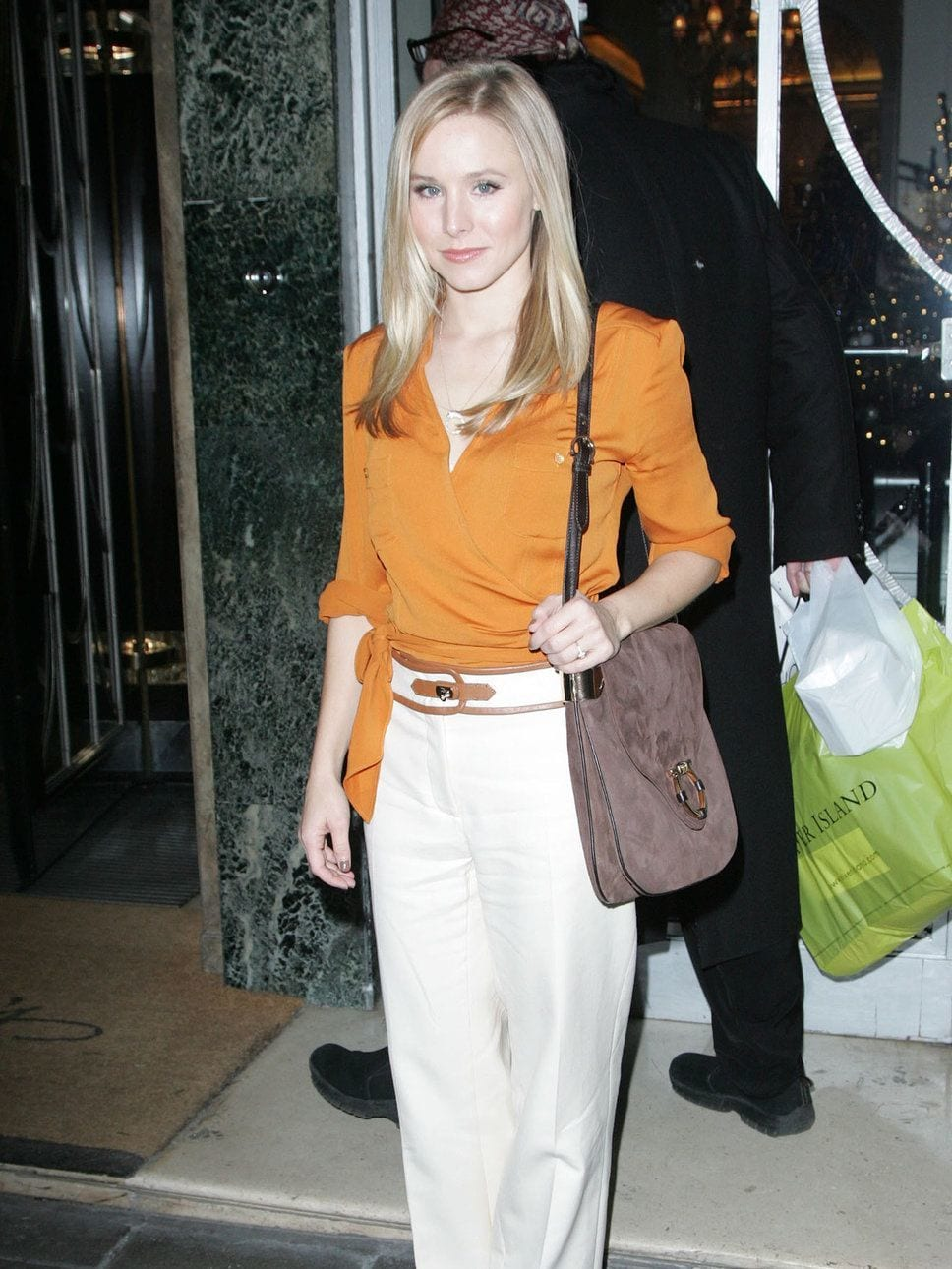 kristen_bell 30 Cute Outfits for  Short Height Girls To Look Tall