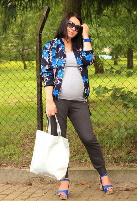 Superb Comfortable Winter Baby Shower Outfits (1)