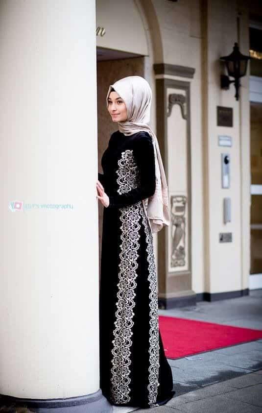 Elegant Abaya Fashion