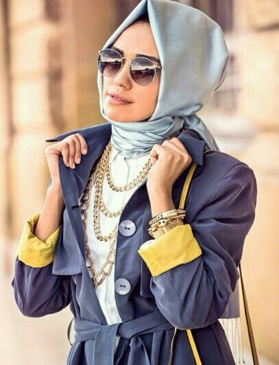 Loop style hijab. Gives a very neat look.