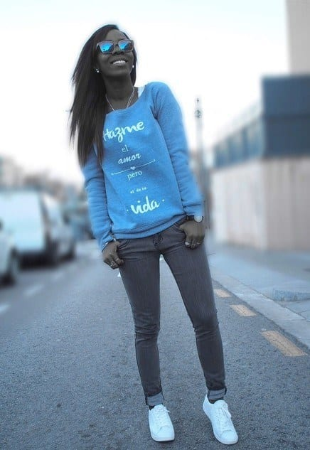 blue-sweatshirtlook-main-single 23 Cute Outfits To Wear With Sneakers for Girls This Season