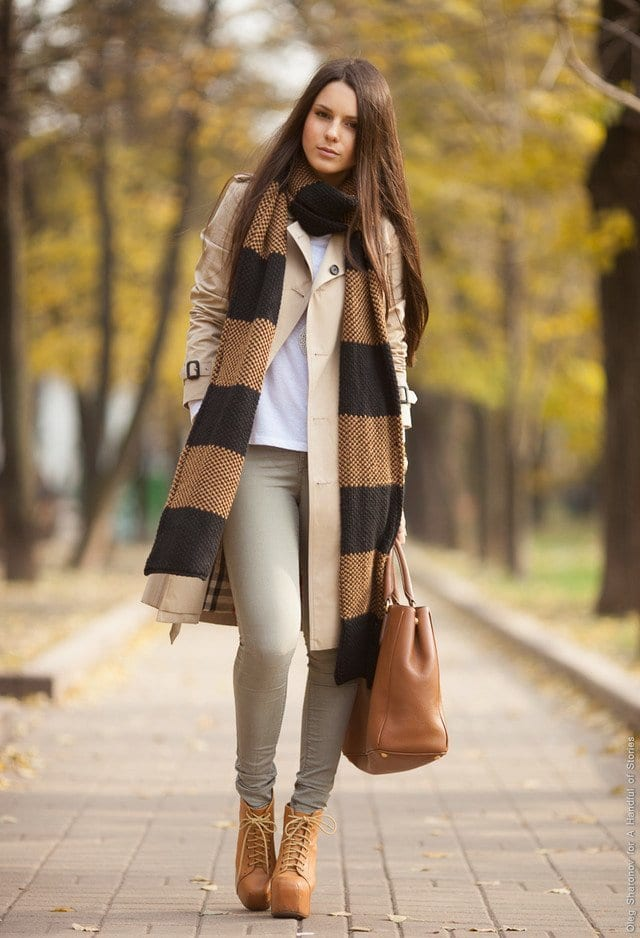 knitwear-brown-black-scarves-echarpeslook-main-single 18 Cute outfits to Wear with Platform Boots this Season