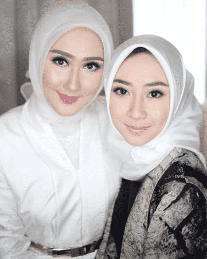 makeup-with-white-hijab- Simple Makeup with Hijab Tutorial and Hijab Makeup Tips