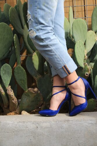 pumps-333x500 30 Stylish Shoes to Wear With Boyfriend Jeans For Chic Look