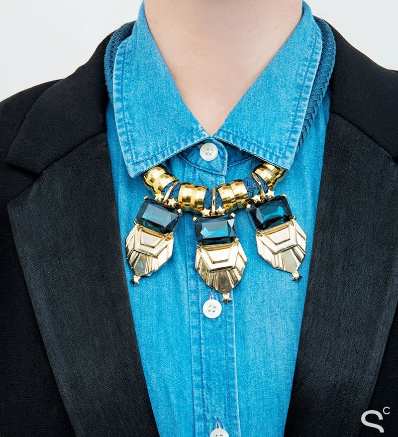 statement-necklaces-12 15 Ideal Outfits To Wear With Statement Necklaces All Season
