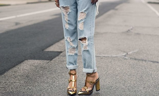 t-barheels-FEATURED-IMAGE-what-to-wear-with-boy-jeans 30 Stylish Shoes to Wear With Boyfriend Jeans For Chic Look