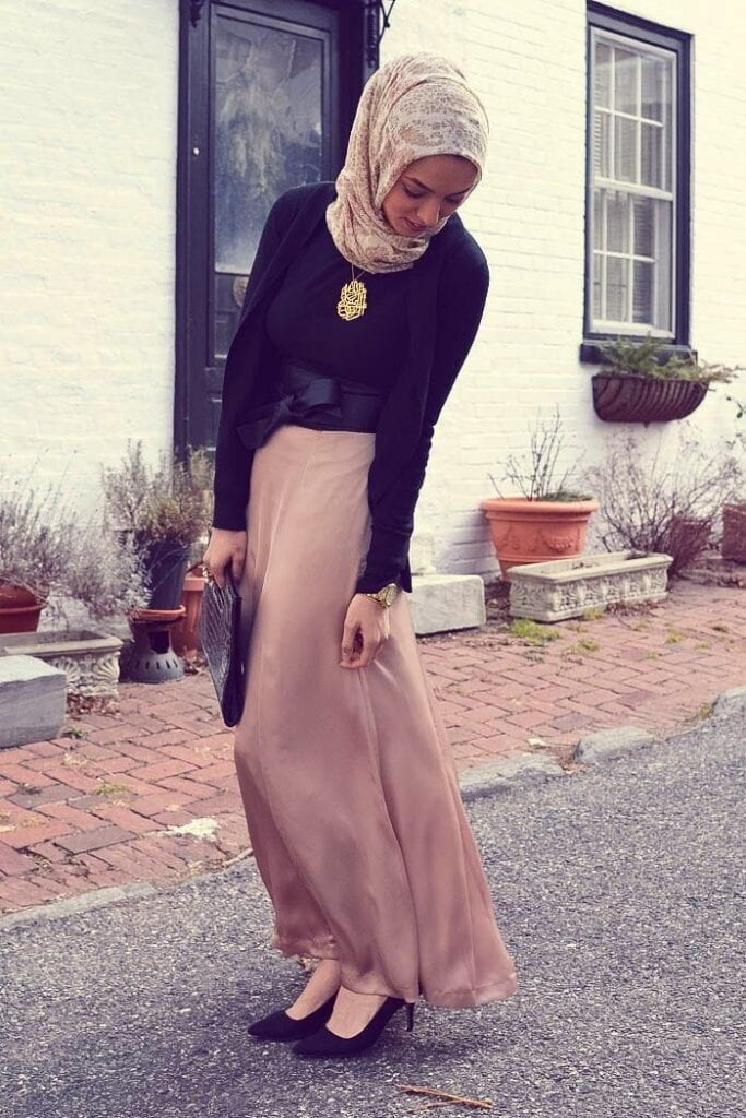 8001888512322f864b711d2a6e75f4a6-683x1024 Hijab Maxi Style- 20 Cute Ways To Wear Hijab With Maxi Dress