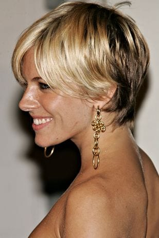 Celebrities-earrings-with-short-hairs 25 Stunning Ideas To Wear Earrings With Short Hair