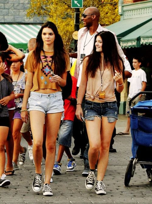Kendal-Jenner-and-kylie-jenner-in-shorts Kendall Has 80 Shorts and This is How Kendall Wears These Shorts