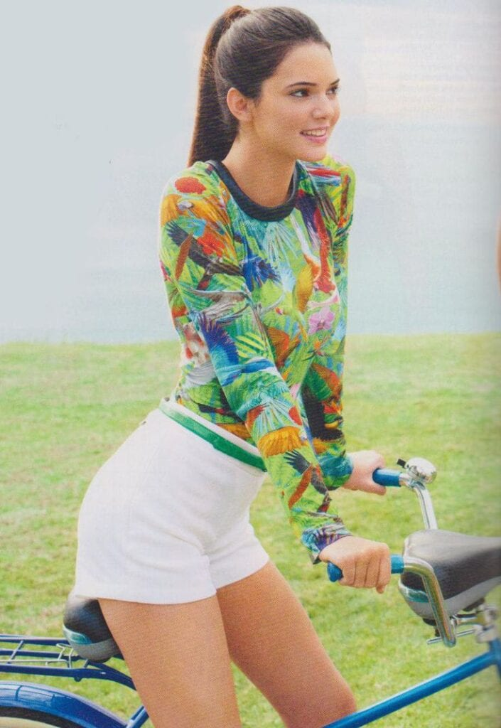 Kendal-Jenner-in-white-shorts1-705x1024 Kendall Has 80 Shorts and This is How Kendall Wears These Shorts