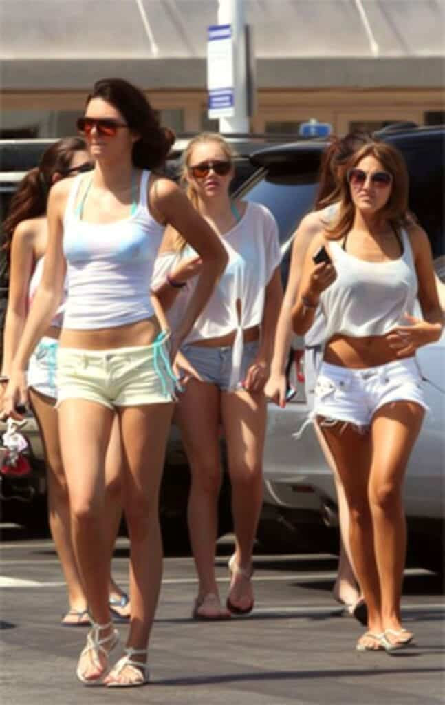 Kendal-Jenner-in-white-shorts2-647x1024 Kendall Has 80 Shorts and This is How Kendall Wears These Shorts