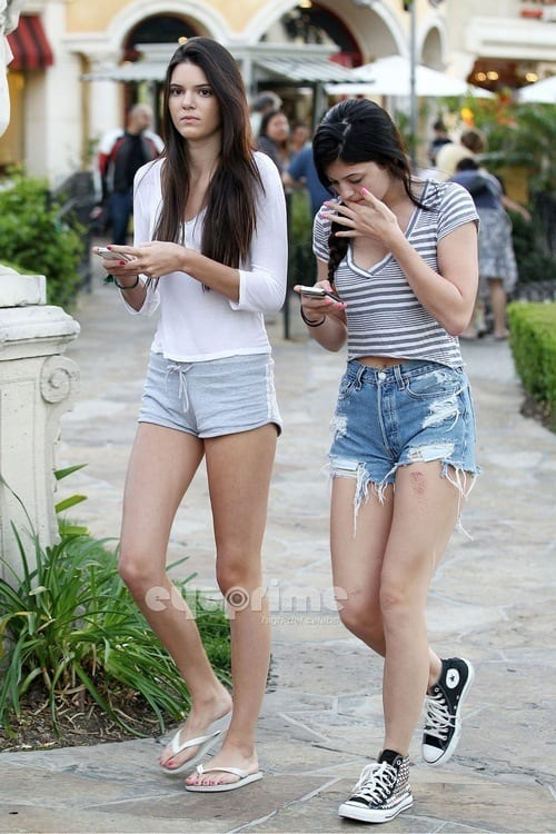 Kendall-Jenner-Summer-style1 Kendall Has 80 Shorts and This is How Kendall Wears These Shorts