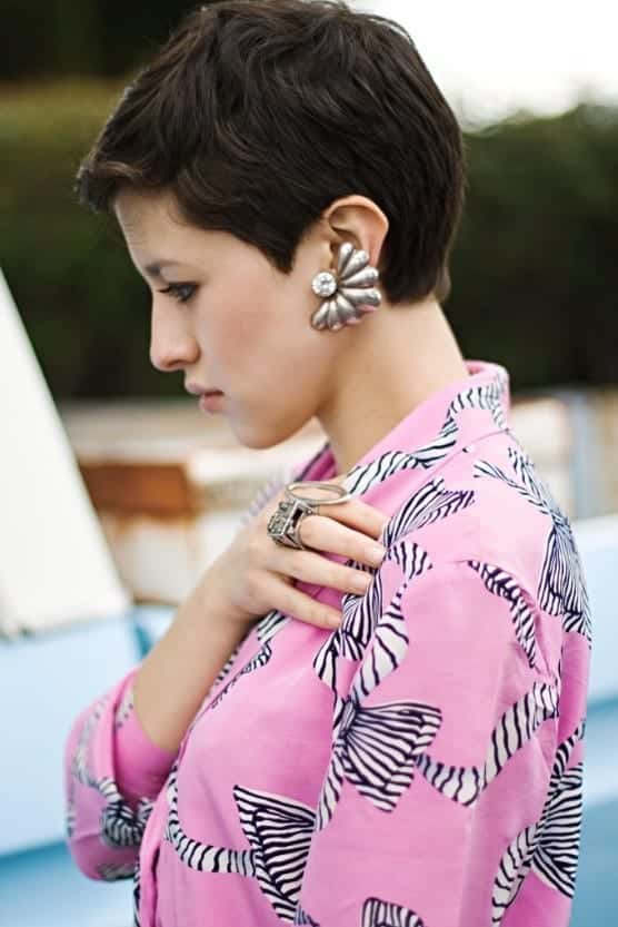 fed72bb073af78f4b92280518bd76469 25 Stunning Ideas To Wear Earrings With Short Hair