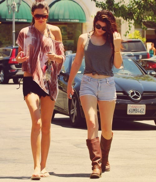 how-to-dress-like-Kendal-Jenner1 Kendall Has 80 Shorts and This is How Kendall Wears These Shorts
