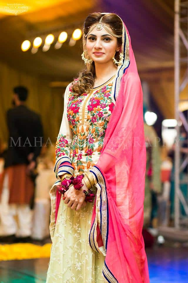 10428560_696194210490743_4973661804196001862_n 35 Latest Style Pakistani Bridal Outfits Combinations