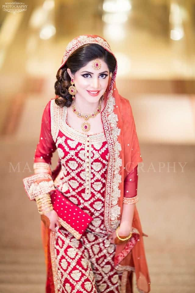 Here are some more beautiful pakistani bridal outfits from mehndi