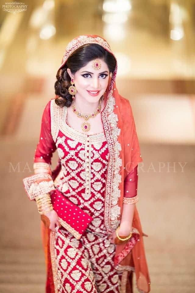 10517443_696688847107946_3626207353349564360_o 35 Latest Style Pakistani Bridal Outfits Combinations