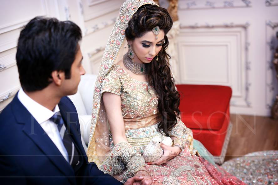 11074378_10152989478829480_2799625303325043184_n 35 Latest Style Pakistani Bridal Outfits Combinations