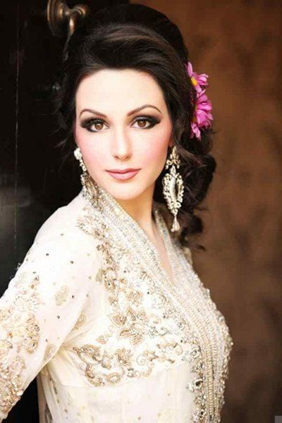12-Cute-Hairstyle-For-Walima-Function-004 25 Easy and Gorgeous Hairstyles For Walima Function This Season