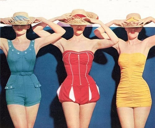 1950-beach 25 Best Vintage Outfit Ideas for A Perfect Vintage Look