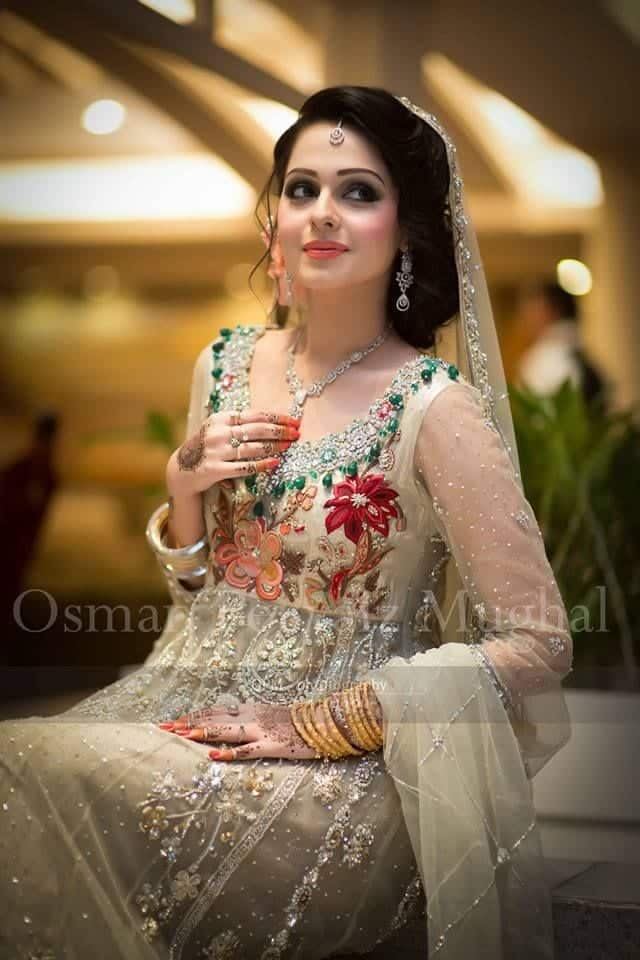 440a218c51033842d1fc82c299b162fd 25 Easy and Gorgeous Hairstyles For Walima Function This Season