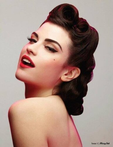 50s-hairstyles-tutorial-385x500 25 Best Vintage Outfit Ideas for A Perfect Vintage Look