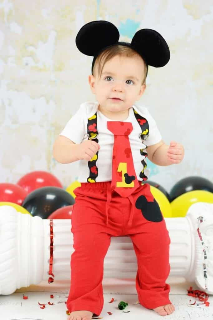 20 Cute Outfits Ideas for Baby Boys 1st Birthday Party. 20 Cute Outfits Ideas for Baby Boys 1st Birthday Party. Caz Jones. Every parent wants their baby's first birthday to be one of the most special and memorable days in their entire lifetime. So for that special little man's day, how do you dress a baby boy for the 1st birthday?